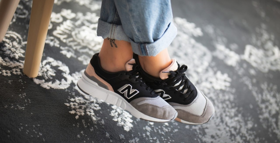 new-balance-cw997hal-black-grey-774511-50-8-mood-1